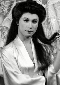B. D.Wong en el papel de Song Liling, 1988.